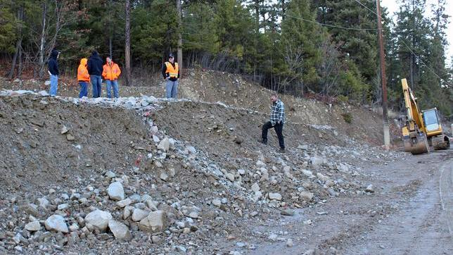 Crew begins removing debris at Slide Ridge; motorists should expect minor delays