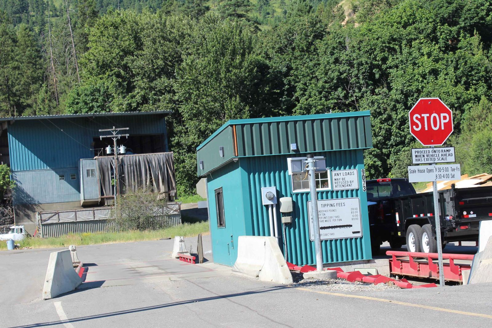 Dryden, Chelan transfer stations to reduce public hours