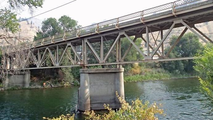The History of the West Cashmere Bridge